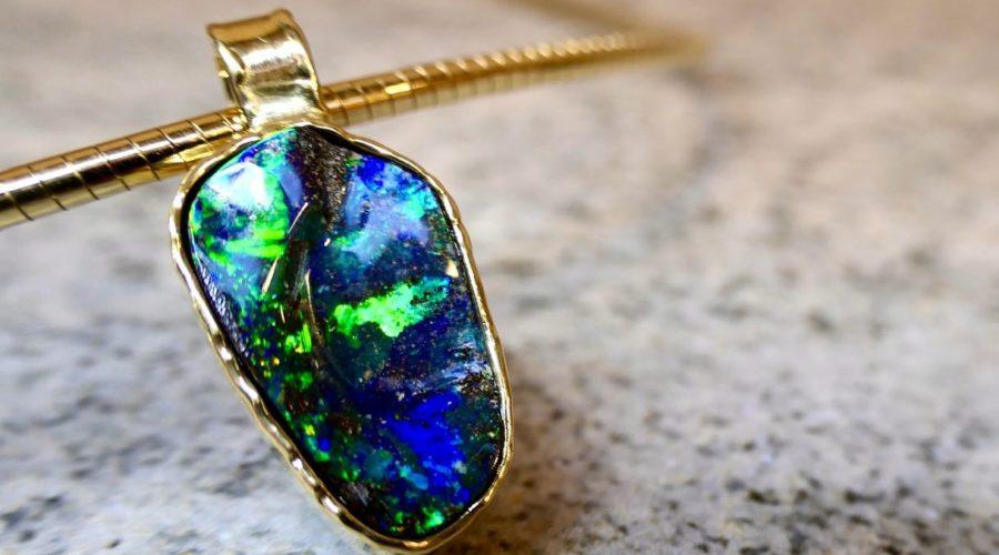 Juwelier Windecker präsentiert auch in diesem Jahr wieder faszinierende Opale in einer Ausstellung
